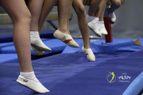 nasze skoczne stópki